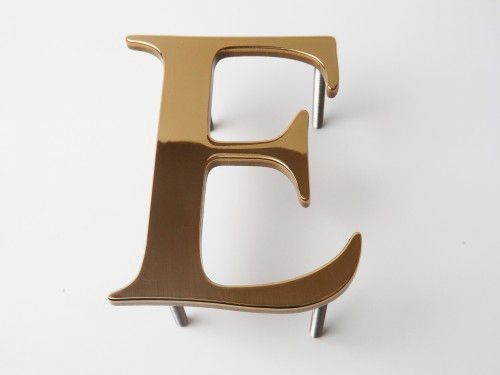 brass-lettering-polished-face-500x375